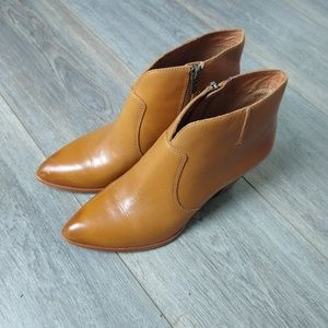 Frye Leather Jennifer cognac ankle booties